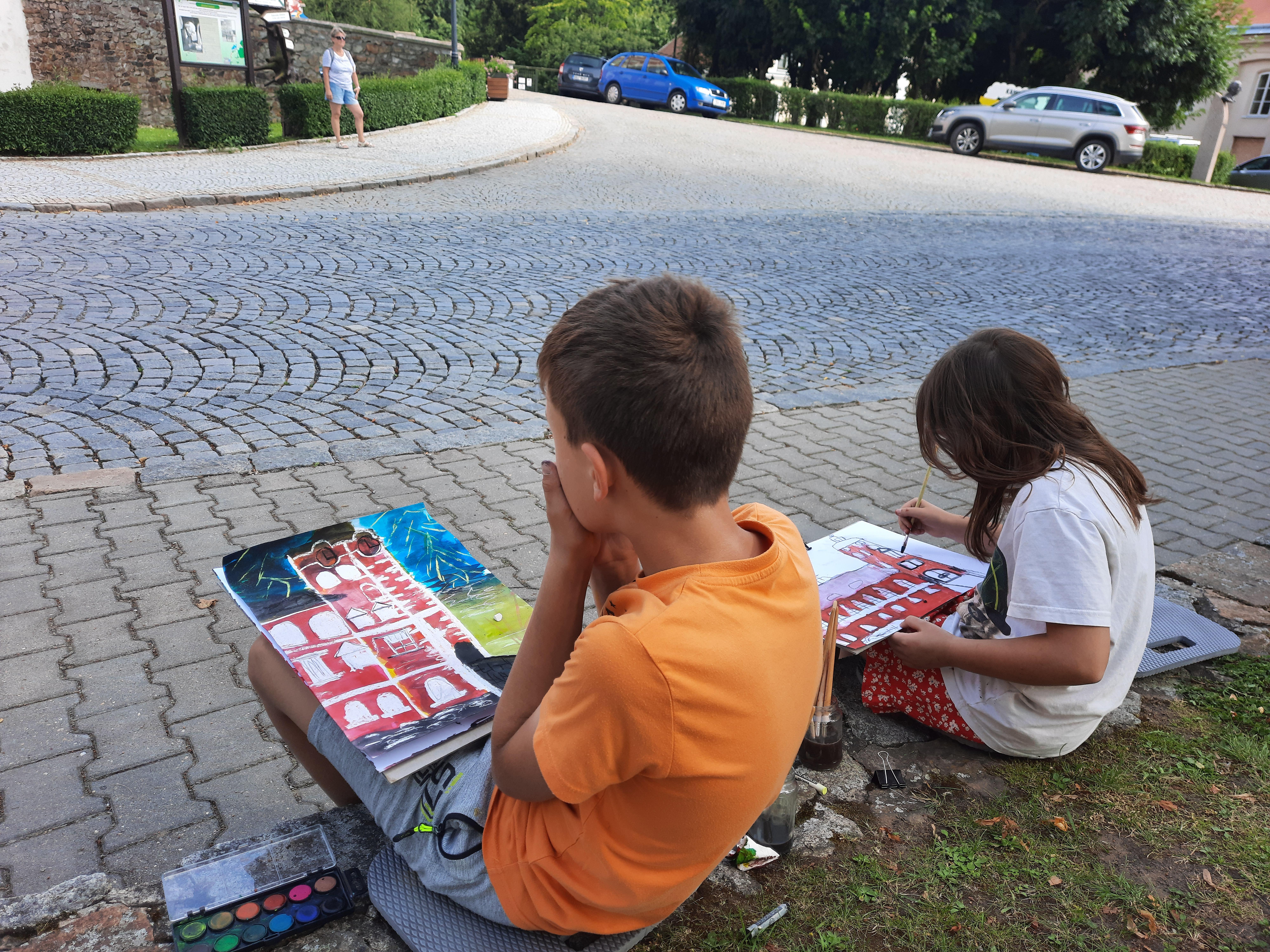 Děti malují