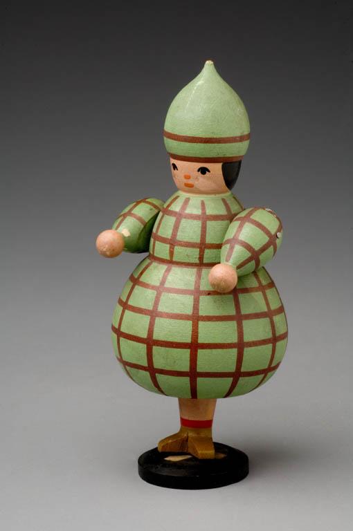 Panáček v zeleném oděvu a zelenou čepičkou