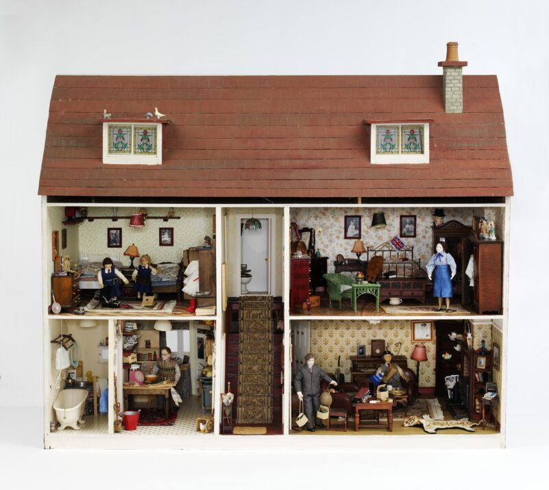 SMALL WORLDS: DOLL HOUSES FROM V&A MUSEUM OF CHILDHOOD